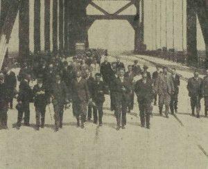 Op 26 mei 1936 werd 'De Boogbrug bij Vianen' geopend.