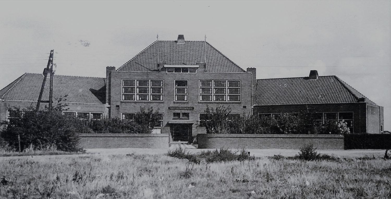 openbare lagere school 2 buiten